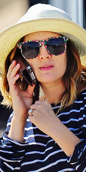 drew barrymore printed sunglasses