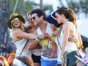 hillar duff ray ban sunglasses coachella
