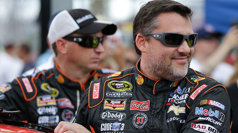 What Oakley Sunglasses Does Tony Stewart Wear?