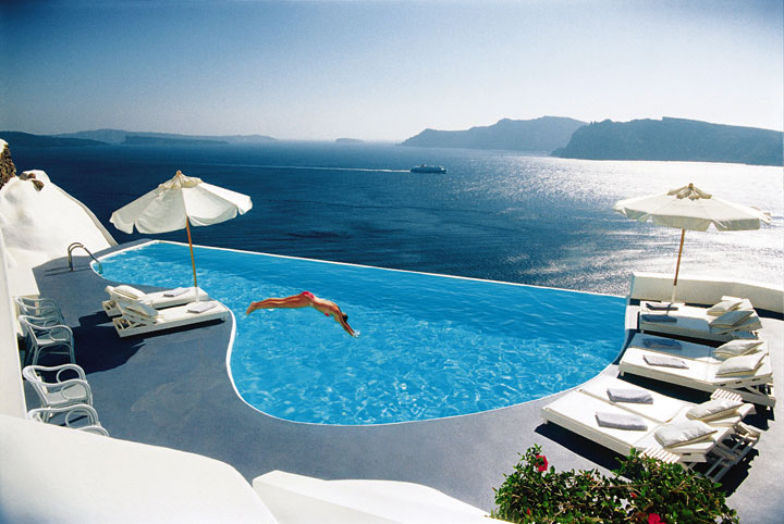 Top 10 Swimming Pools In The World   Wellbots