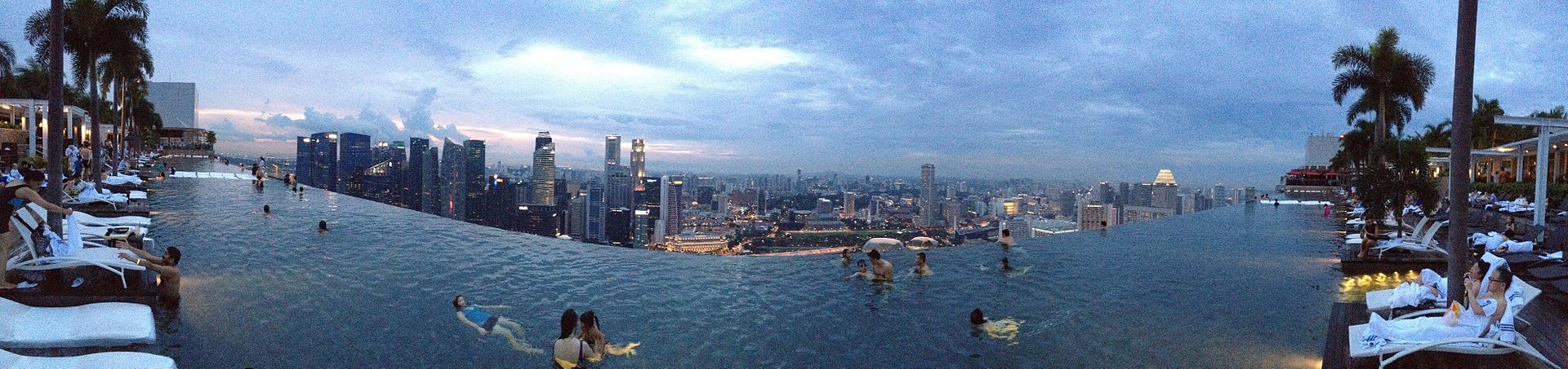 marina bay sands hotel pool panoramic