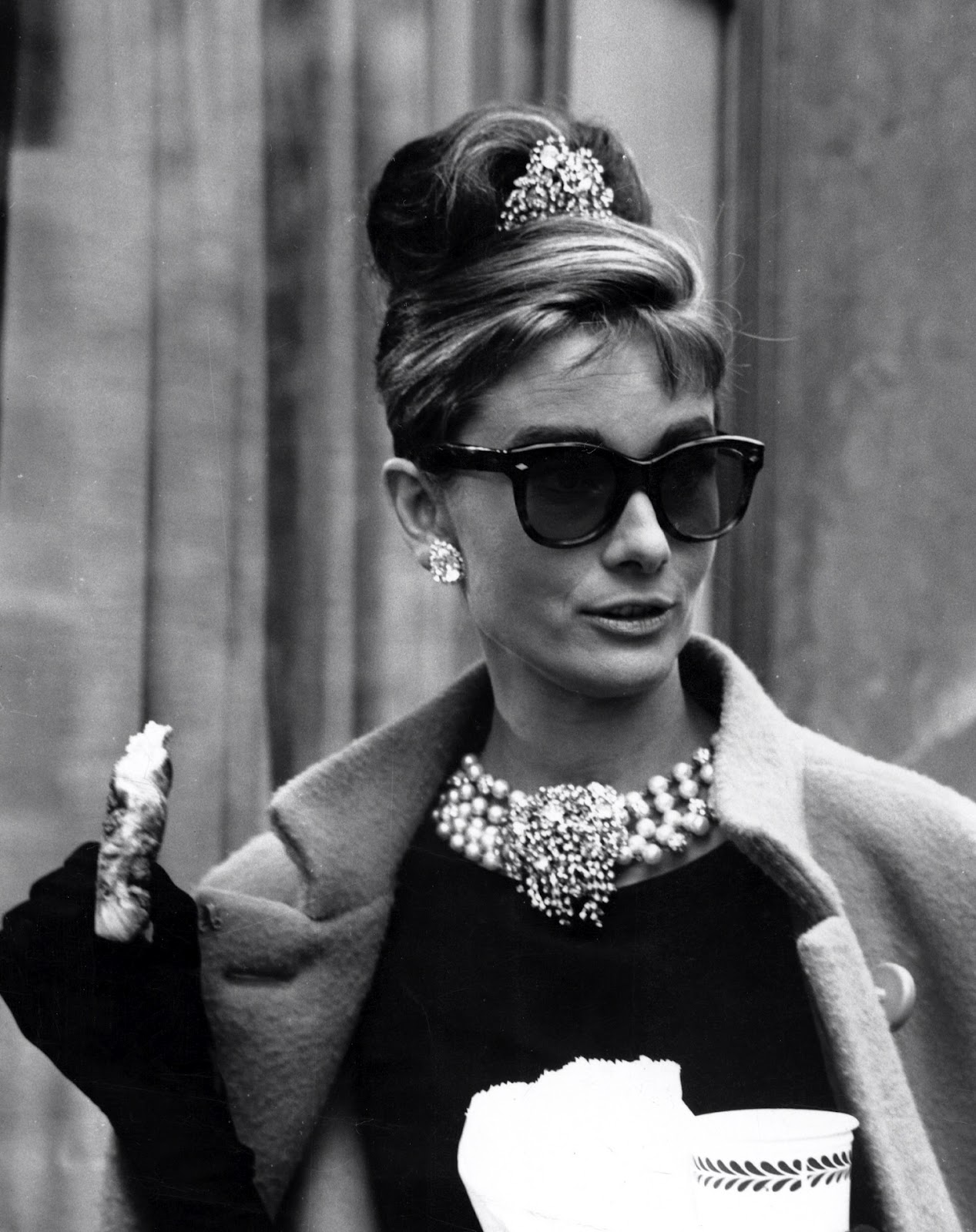 what sunglasses is audrey hepburn wearing in breakfast at